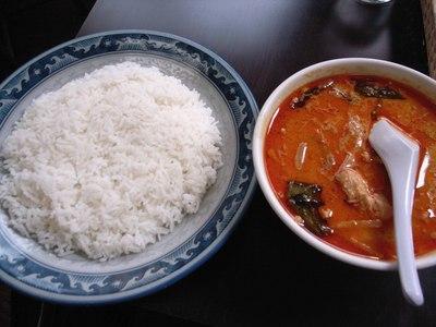 mae_yao_curry_red